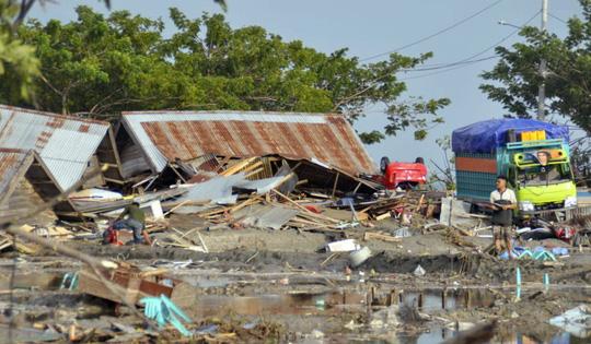 Động đất, sóng thần tại Indonesia đã khiến gần 400 người chết, hàng trăm người bị thương và mất tích (Thời sự chiều 29/9/2018)