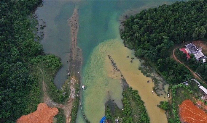 THỜI SỰ 12H TRƯA 25/10/2019: Công ty Nước sạch Sông Đà chính thức xin lỗi người dân sau sự cố nước sạch nhiễm dầu, miễn phí 1 tháng tiền nước.