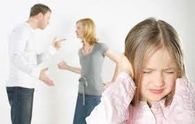 Cha mẹ lớn tiếng cãi nhau trước mặt con cái sẽ ảnh hưởng tâm lý các bé như thế nào? (24/10/2019)