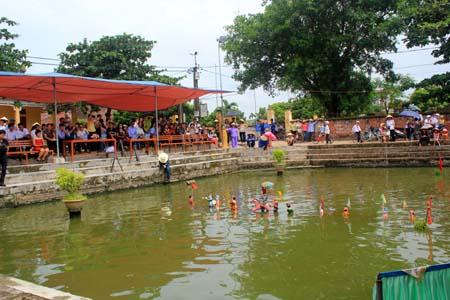 Phường múa rối nước Hồng Phong, làng Bồ Dương, xã Hồng Phong, huyện Ninh Giang, tỉnh Hải Dương – một điểm du lịch văn hóa hấp dẫn (26/4/2019)