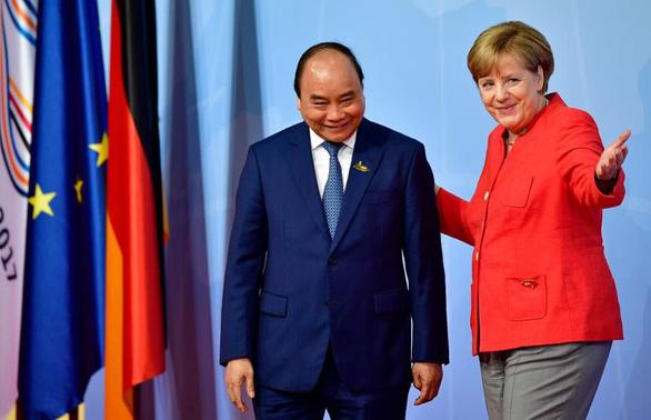 THỜI SỰ 21H30 ĐÊM 25/6/2019: Ủy ban châu Âu chính thức phê chuẩn Hiệp định Thương mại và Đầu tư EU - Việt Nam (EVFTA).