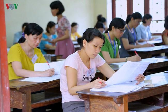 Chấm thi Trung học phổ thông quốc gia 2019: Môn Ngữ văn ít bài điểm cao (8/7/2019)