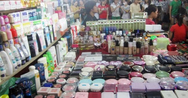 Nhức nhối tình trạng buôn bán - tiêu thụ mỹ phẩm giả (21/8/2019)