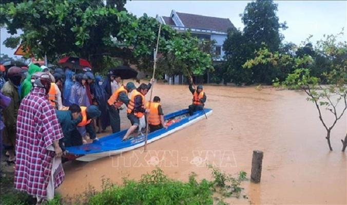 Bão số 9 đang tiến vào đất liền, theo dự báo có thể ảnh hưởng trực tiếp đến các tỉnh Nam Trung Bộ, hiện nay các địa phương đang thực hiện nhiều biện pháp để ứng phó với bão.