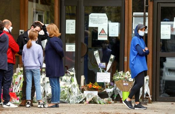 Nước Pháp rúng động vì vụ khủng bố Hồi giáo cực đoan (19/10/2020)