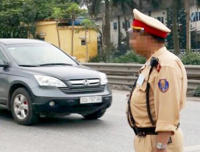 """Vòng """"bụng bự"""" không hoàn toàn quyết định chất lượng và đạo đức công vụ của cảnh sát giao thông (2/10/2020)"""