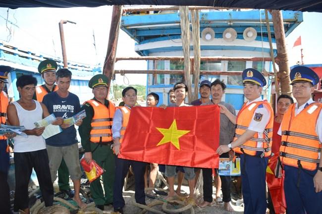 Đưa pháp luật biển đến với ngư dân tại huyện đảo Bạch Long Vĩ (8/10/2020)