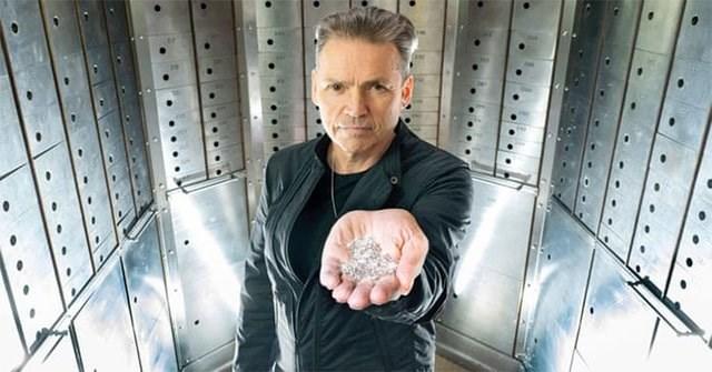 Triệu phú Anh tuyên bố làm được kim cương từ không khí (2/11/2020)