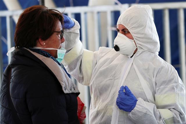 WHO công bố châu Âu là tâm điểm của đại dịch Covid-19 (13/3/2020)