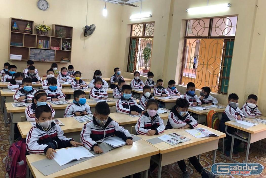 THỜI SỰ 12H TRƯA 22/3/2020: Bộ Giáo dục và Đào tạo tính toán điều chỉnh khối lượng kiến thức học kỳ 2 năm học 2019-2020, tránh để học sinh quá tải khi đi học trở lại.