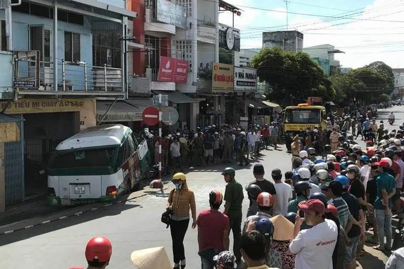 THỜI SỰ 21H30 ĐÊM 6/3/2020: Điều tra rõ nguyên nhân vụ tai nạn giao thông làm 2 người chết và 1 người bị thương tại tỉnh Bạc Liêu.