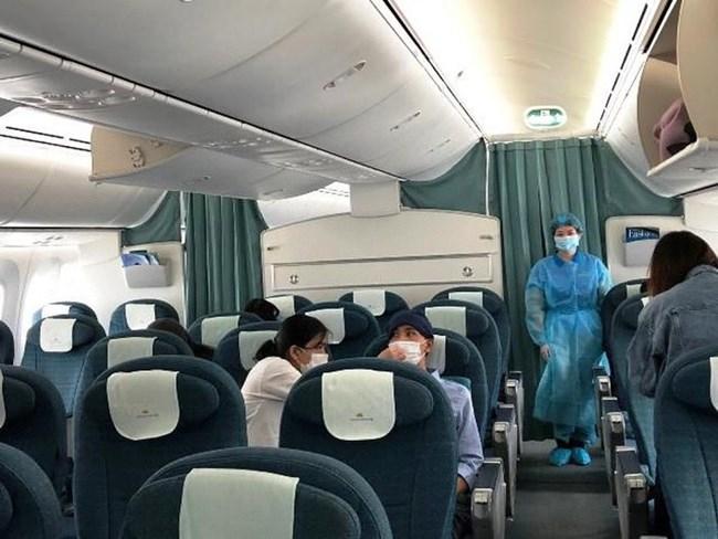THỜI SỰ 12H TRƯA 12/4/2020: Chuyến bay đặc biệt của Vietnam Airlines từ sân bay Tokyo của Nhật Bản, chở 12 công dân Việt Nam về nước