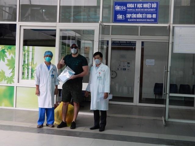 Người nước ngoài tại Việt Nam: Cảm ơn ngành y tế Việt Nam (4/4/2020)