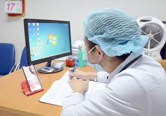 Mùa dịch Covid-19: Tránh lây nhiễm bằng chẩn đoán bệnh từ xa (4/5/2020)