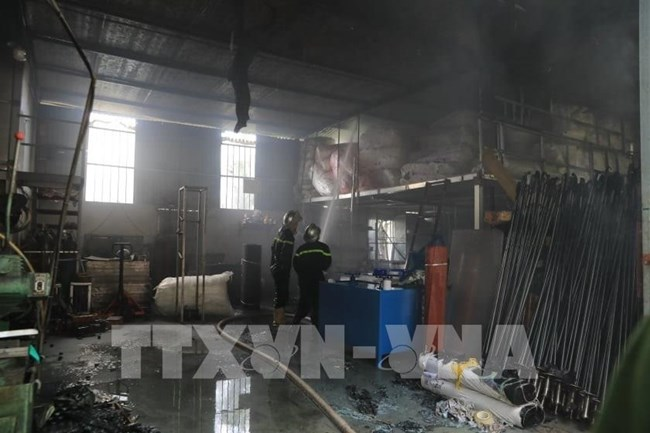 THỜI SỰ 6H SÁNG 3/7/2020: Có hiện tượng rò rỉ hóa chất trong vụ cháy kho ở quận Long Biên, Hà Nội, cách đây 3 ngày