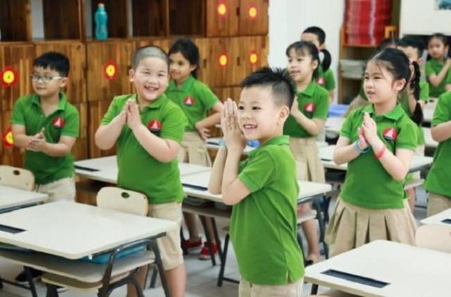 Nhiều ý kiến tranh luận việc Bộ Giáo dục và đào tạo quyết định các trường tư thục có thể tựu trường sớm hơn 4 tuần so với trường công lập trong năm học tới (13/7/2020)