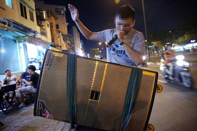 Làm thế nào xử lý dứt điểm tình trạng karaoke loa kéo gây ồn ào tại khu dân cư? (13/7/2020)