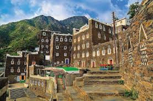 Thăm làng cổ Rijal Almaa ở Arab Saudi và thành phố Freiburg ở Đức (25/7/2020)