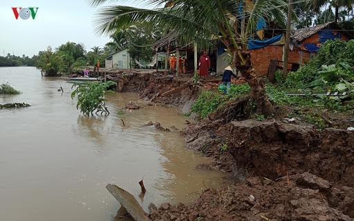 Sạt lở diễn biến phức tạp trong mùa mưa bão (7/7/2020)