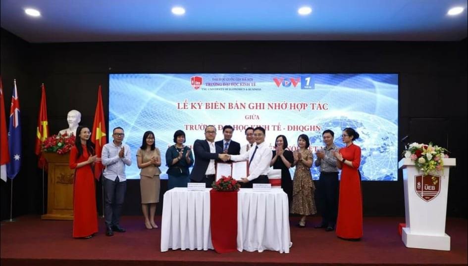 Lễ ký kết biên bản ghi nhớ hợp tác giữa Ban Thời sự VOV1 Đài TNVN và Đại học Kinh tế, ĐH QG Hà Nội (22/9/2020)
