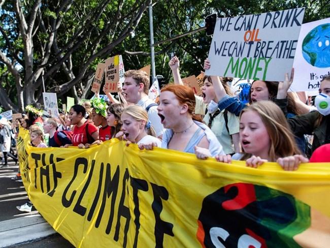 Những người trẻ đang dẫn đầu phong trào chống biến đổi khí hậu trên toàn thế giới (30/9/2020)
