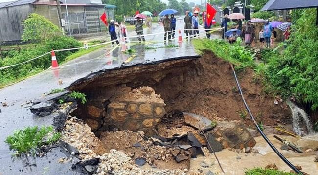 THỜI SỰ 18H CHIỀU 13/9/2020: Mưa lớn những ngày qua tại các tỉnh miền núi phía Bắc, gây sạt lở đất đá, làm chết người và  gây ách tắc giao thông