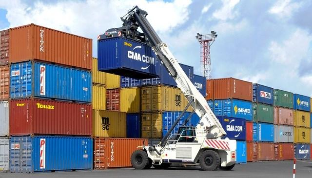 Xử lý vấn đề thiếu container rỗng gây ảnh hưởng mạnh đến xuất nhập khẩu của doanh nghiệp(20/01/2021)