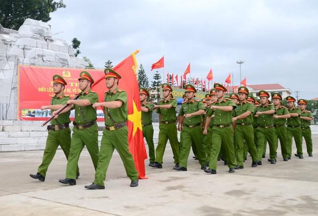 """Lực lượng Công an nhân dân """"Thanh bảo kiếm của Đảng"""" (6/1/2021)"""