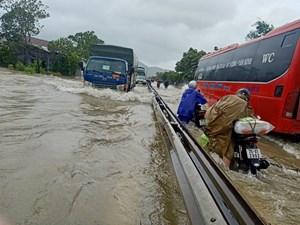 THỜI SỰ 12H TRƯA 24/10/2021: Mưa lớn 2 ngày qua khiến nhiều địa phương ở miền Trung bị ngập sâu
