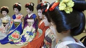 Các nghệ sĩ Geisha Nhật Bản vật lộn thời Covid-19 (17/2/2021)