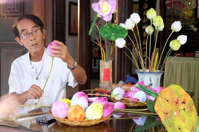 Sản phẩm hoa Sen giấy của nghệ nhân Thân Văn Huy (17/3/2021)