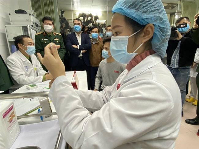 Ngày đầu tiên Việt Nam tiến hành tiêm vắc xin ngừa Covid-19 (08/03/2021)