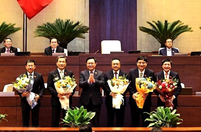 THỜI SỰ 12H TRƯA 07/04/2021: Sáng 7/4, QH bầu một số Ủy ban của QH, Tổng Thư ký QH và Tổng kiểm toán Nhà nước.