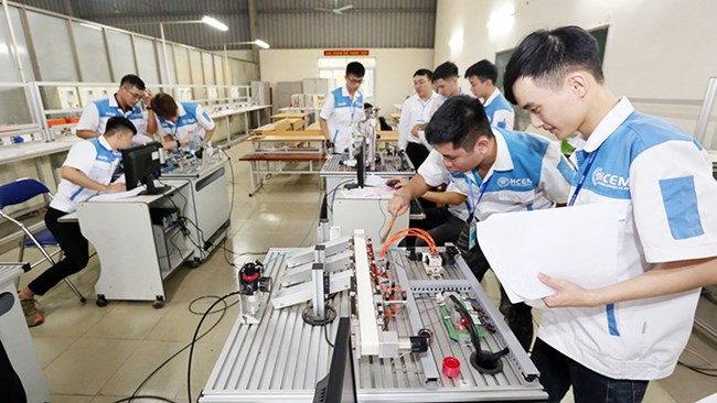 -Các trường nghề thay đổi hình thức tuyển sinh đảm bảo chất lượng thích ứng với tình hình mới (21/05/2021)