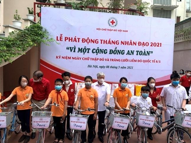 """THỜI SỰ 18H CHIỀU 08/05/2021: Trung ương Hội Chữ thập đỏ Việt Nam phát động """"Tháng Nhân đạo"""" 2021 với chủ đề """"Vì một cộng đồng an toàn"""""""
