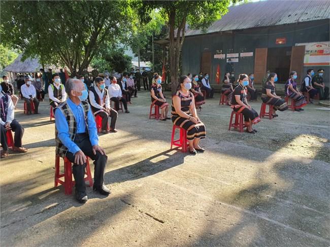 Cử tri 6 xã biên giới huyện Nam Giang, tỉnh Quảng Nam, hoàn thành bầu cử sớm (16/05/2021)