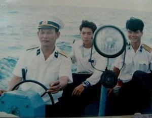 Vững quyết tâm bảo vệ bình yên biển đảo Tổ quốc (08/05/2021)