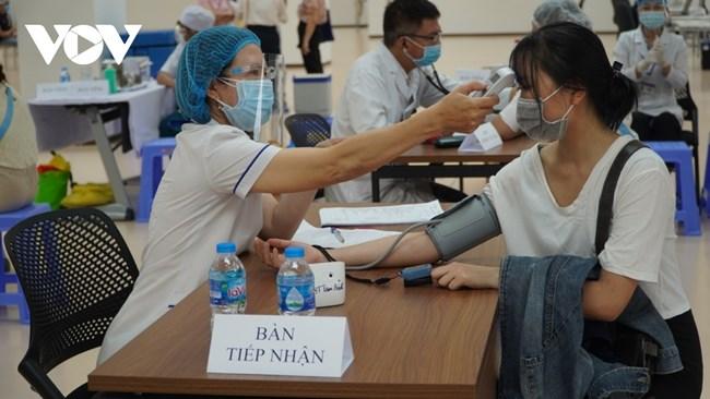 Dốc sức phục vụ chiến dịch tiêm vaccine lớn nhất lịch sử tại TP.HCM (21/6/2021)
