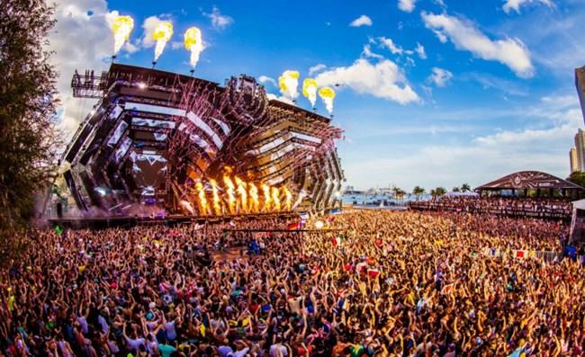 Người dân Paris, Pháp hào hứng tham gia lễ hội âm nhạc thường niên (22/06/2021)
