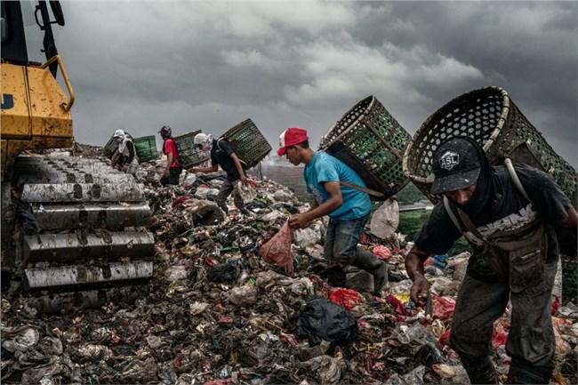 Sản phẩm âm nhạc độc đáo từ bãi rác và chai lọ ở Thổ Nhĩ Kỳ (22/06/2021)