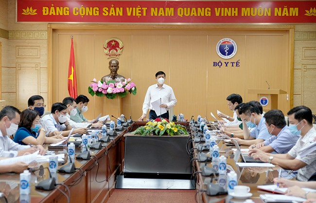 THỜI SỰ 18H CHIỀU 17/06/2021: Giám đốc WHO khu vực Tây Thái Bình Dương cam kết sẽ thúc đẩy chuyển giao sớm nhất nguồn vaccine trong cơ chế COVAX cho Việt Nam