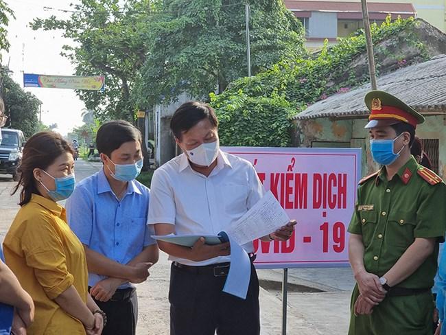 Đón công dân từ vùng dịch: Kiểm soát như thế nào để dịch bệnh không lây lan rộng hơn? (26/7/2021)