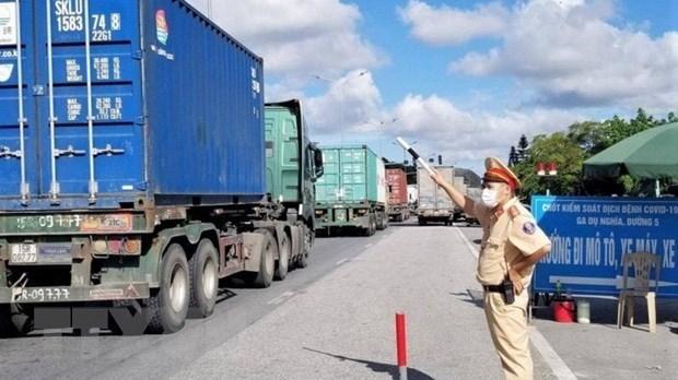 """Tổ chức """"luồng xanh"""" vận tải: Tạo điều kiện thuận lợi lưu thông hàng hóa, bảo đảm phòng chống dịch (23/7/2021)"""