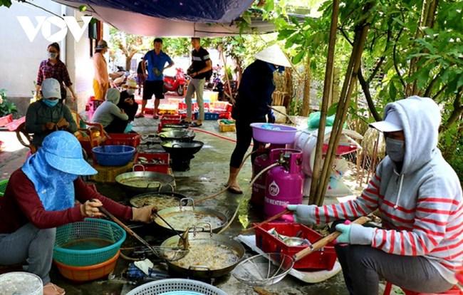 Người dân Thừa Thiên Huế chia sẻ yêu thương với bà con ở TP.HCM (20/7/2021)