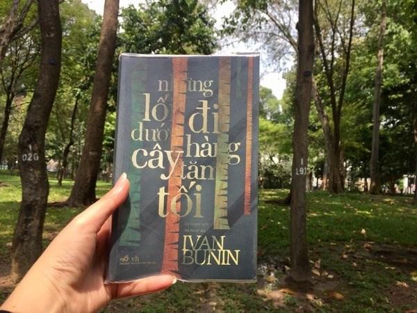 """Cuốn sách """"Những lối đi dưới hàng cây tăm tối"""" (14/7/2021)"""