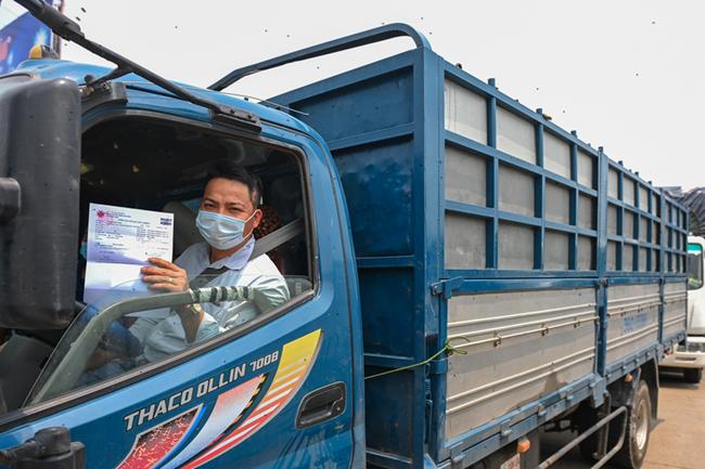 THỜI SỰ 12H TRƯA 31/07/2021: Bộ Công thương đề nghị các tỉnh, thành phố ưu tiên tiêm vắc xin cho lái xe vận tải liên tỉnh.