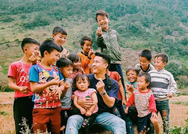 Hoàng Minh Tuấn, chủ kênh youtube Chanlaca, 1 trong 4 kênh youtube du lịch-khám phá đình đám (06/07/2021)