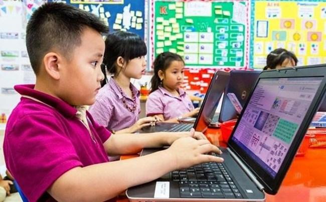 Cần xây dựng môi trường mạng lành mạnh, an toàn cho trẻ (16/07/2021)