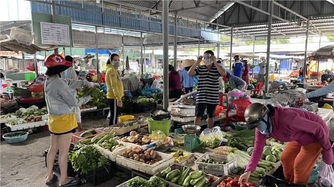 """Mô hình """"chợ truyền thống an toàn"""" tại TP Bà Rịa đang phát huy hiệu quả (31/07/2021)"""
