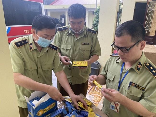 QLTT Lạng Sơn thu giữ và tiêu hủy hơn 3000 tuýp kem bôi trị bệnh ngoài da không xuất xứ nguồn gốc